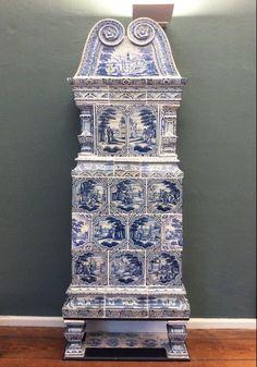 Musée de Lubeck : poêle allemand avec des scènes bibliques (vers 1700, fabriqué à Hambourg probablement).