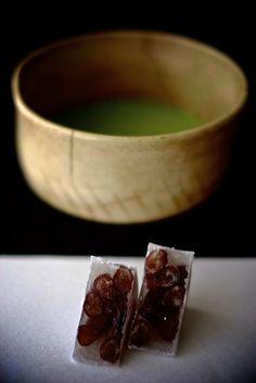 Wagashi   加賀 紫雲石   lotus-aki   Flickr