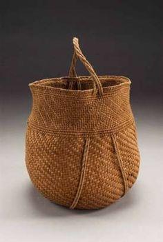 Willow Bark Basket by Jennifer Heller Zurick - Berea kentucky artists Bountiful Baskets, Willow Bark, Mish Mash, Basket Bag, Weaving Art, Sisal, Wicker Baskets, Basket Weaving, Fiber Art