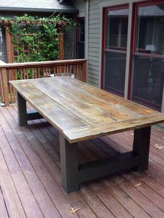 How To Build A Outdoor Dining Table Building an outdoor dining table during the . How To Build A Outdoor Dining Table Building an outdoor dining table during the winter is nice solution to prepare for the summer time. Outdoor Farmhouse Table, Diy Outdoor Table, Diy Patio, Backyard Patio, Outdoor Decor, Rustic Outdoor, Wood Patio, Rustic Table, Rustic Patio