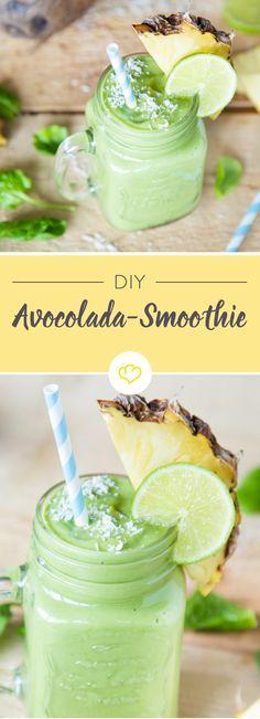 Nach dem Pina Colada Cocktail gibt's nun den Avocolada Smoothie – ohne Alkohol, dafür extra cremig, grün und voller Energie. Mit buttriger Avocado, exotischem Kokoswasser, spritziger Limette und reichlich fruchtiger Ananas
