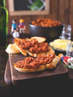 Příjemně pikantní masová pomazánka oblíbená masami! Ham, French Toast, Food And Drink, Halloween, Cooking, Breakfast, Baking Center, Kochen, Hams