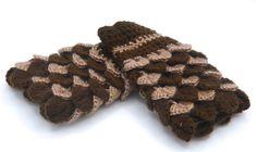 Crocodile stitch bicolor mittens  wool / Dragon stitch bicolor mittens wool, fait main, couleur marron et vieux rose, gant sans doigts de la boutique SUINDARA sur Etsy