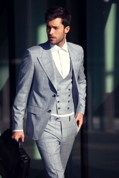 Mens Fashion - Darren Kennedy Designs Second Collection for Louis Copeland Fashion Moda, Suit Fashion, Look Fashion, Fashion For Men, 50 Fashion, Fashion Styles, Sharp Dressed Man, Well Dressed Men, Gq