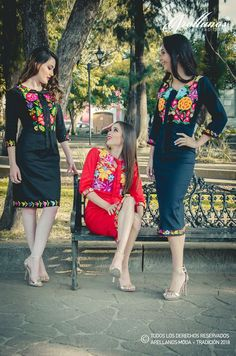Mexican Fashion, Folk Fashion, Girl Fashion, Mexican Style Dresses, Mexican Outfit, Dama Dresses, Nice Dresses, Traditional Mexican Dress, Fiesta Outfit