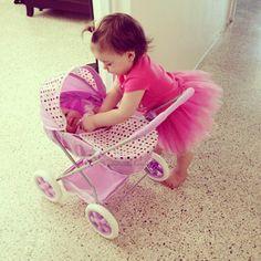 Discover more @ Stylish Eve Cute Kids, Cute Babies, Baby Kids, Baby Baby, Baby Girl Fashion, Kids Fashion, Bridal Fashion, History For Kids, Kids Sleep