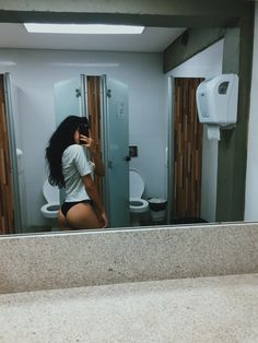 Mirror Photography, Girl Photography Poses, Aesthetic Body, Bad Girl Aesthetic, Mode Du Bikini, Ideas For Instagram Photos, Foto Casual, Cool Anime Girl, Cool Girl Pictures