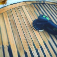 Sanding process #bysimondo #palmayachteye #teaktock #passioperlamar #yachtmanagement #superyacht #megayacht #refit #boat #barco #igers #igersbalears #igersmallorca http://Teaktock.es http://ift.tt/2dzzaKL