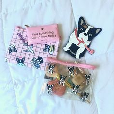Find something new to love today, ok? ☀️ #newday #newadventures #ivoadventures #newyork #nyc #frenchie #frenchieoftheday #bimberfrenchie #makeup #makeupbag #pink #yeahbunny #yeahbunnycase #allpink #travel #kiss