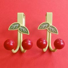 Cherry door hanger... what a great way to cheer up your home! www.cherryman.com