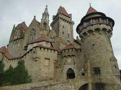 Castle Ruins, Castle House, Medieval Castle, Unique Buildings, Interesting Buildings, Beautiful Buildings, Monuments, Austria, Lichtenstein Castle