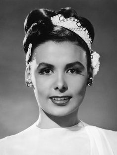 The epitome of elegance and grace! singer, actress and activist, the incomparable Lena Horne