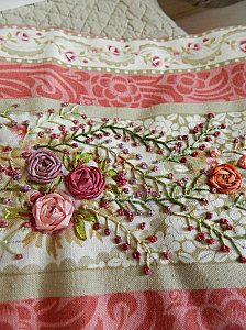 I ❤ ribbon embroidery . . .   Broderie