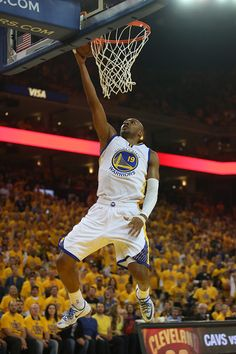 Description of . Golden State Warriors\' Leandro Barbosa (19) goes up for a layup in the first quarter of Game 2 of the NBA Western Conference finals at Oracle Arena in Oakland, Calif., on Thursday, May 21, 2015. (Jane Tyska/Bay Area News Group)