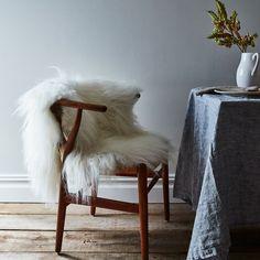 cool interior decorating tips Couch Makeover, Interior Decorating Tips, Decorating Hacks, Interior Design, Interior Ideas, Urban Cottage, Sheepskin Throw, Warm Fuzzies, Luxury Vinyl Plank