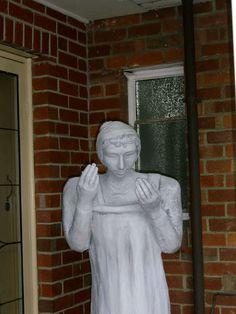 DIY - Doctor Who 'Weeping Angel' Halloween Decoration