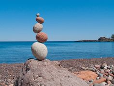 """Sugarloaf Zig Zag,"" balanced rocks by Peter Juhl Pebble Stone, Stone Art, Photos Of The Week, Great Photos, Stone Balancing, Balanced Rock, Boxing Workout, Environmental Art, Land Art"