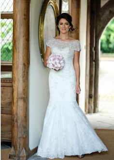 Elegant Alfred Sung gown Photography Damien Lovegrove #wedding #dress