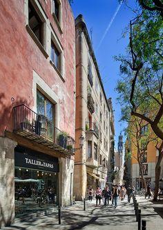 Carrer de la Argenteria | Basilica de Santa Maria del Mar | Barcelona, Spain