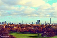 It's always lovely to go to Primrose Hill, even If it's a cold December's day. I've found enchanting and dreamlike the view from the top of the hill.  London, December 2015. #london #londinium #primrosehill #evelyntamajo #theclassydreamer #classy #dreamer #photography #dreamlike #enchanting #view #nature #city #regentspark #park #trees #sky #nikon