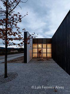 Souto de Moura > Centro Cultural Miguel Torga en Portugal