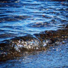 Bølgeskvulp ved Aborg Strand #visitfyn #fyn #nature #visitdenmark #naturelovers #nofilter #natur #denmark #danmark #dänemark #landscape #assens #mitassens #vildmedfyn #fynerfin #assensnatur #vielskernaturen #visitassens #instapic #picoftheday #sea #december #winter #waves