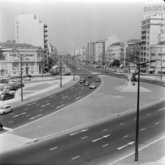 Praça do Saldanha Simple Pictures, Old Pictures, Old Photos, Creative Architecture, Ol Days, Capital City, Back In The Day, Vintage Photography, Homeland