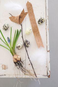 Gift Card Bouquet, Diy Ostern, Spring Birds, Christmas Decorations, Holiday Decor, Egg Decorating, Spring Home, Vintage Easter, Spring Crafts