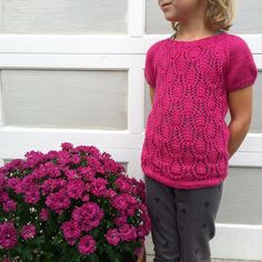 @theknittingadict Top P, Happy Weekend, Om, Barn, Victoria, My Favorite Things, Crochet, Instagram Posts, Converted Barn