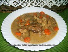 W Mojej Kuchni Lubię..: gulasz z łopatki z grzybkami i marchewką...