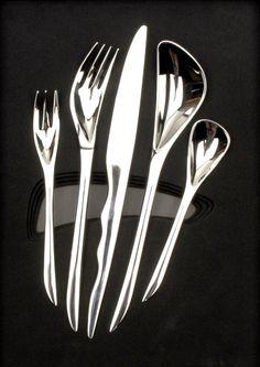Zaha Hadid inspriration in porsche light Zaha Hadid Works, Zaha Hadid Interior, Arte Yin Yang, Zaha Hadid Architects, Clever Design, Design Process, Industrial Design, Modern Architecture, Futuristic