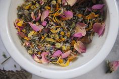 Filled with chamomile, lavender and roses, this calming flower tea is relaxing spring blend of flowers that smells just like a bouquet.