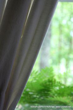 Näkymä tuvan ikkunasta voimapuutarhaan. Curtains, Home Decor, Blinds, Decoration Home, Room Decor, Draping, Home Interior Design, Picture Window Treatments, Home Decoration