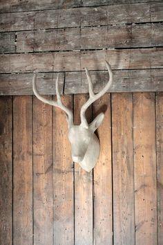 JELEŃ w pinata.pl na DaWanda.com Moose, Sculpture, Etsy, Paper Mache, Mousse, Sculptures, Sculpting, Statue, Elk