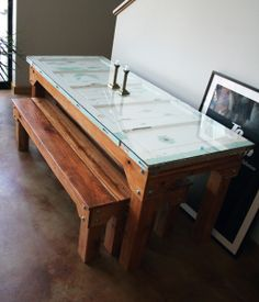 door table frame and benches Cool Diy Projects, Home Projects, Home Furniture, Furniture Design, Antique Furniture, Reclaimed Wood Desk, Old Doors, Farmhouse Table, Dining Room Table