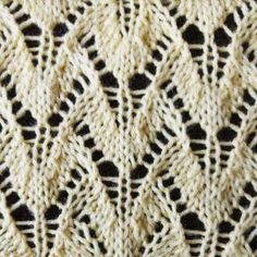 Winged Lace Stitch Pattern | This lace knitting pattern is so lovely and delicate.
