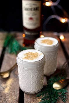 Vegan eggnog with vanilla and cinnamon - Healthy Vegan Repices Smoothie Drinks, Smoothie Recipes, Eat This, Vegan Christmas, Christmas Recipes, Winter Drinks, Drinks Alcohol Recipes, Vegan Sweets, Vegan Life