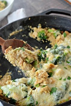 Chicken Broccoli Quinoa Casserole is total comfort food without all the guilt!   mountainmamacooks.com