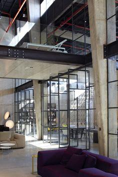 Galeria de A Casca e seu Conteúdo – Showroom Italia B&B / Pitsou Kedem Architects - 2