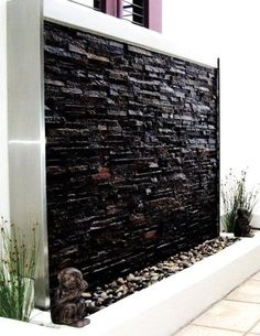 Backyard Water Feature Wall Garden Ideas Ideas - backyard - HOME Indoor Waterfall Fountain, Water Wall Fountain, Water Fountain Design, Outdoor Wall Fountains, Indoor Water Fountains, Indoor Fountain, Fountain Ideas, Tabletop Fountain, Indoor Waterfall Wall