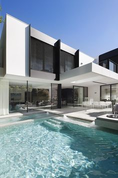 Modern architecture house design with minimalist style and luxury exterior and interior and using the perfect lighting style is inspiration for villas mansions penthouses Modern Mansion, Modern Houses, Contemporary Houses, Contemporary Decor, Contemporary Architecture, Contemporary Building, Contemporary Apartment, Contemporary Wallpaper, Contemporary Chandelier