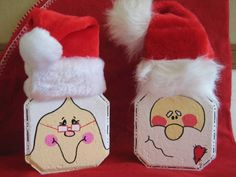 The best Painted pavers ideas Painted Bricks Crafts, Brick Crafts, Painted Pavers, Brick Projects, Stone Crafts, Painted Rocks, Hand Painted, Christmas Paintings, Christmas Art