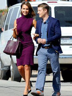 "Jessica Alba and Benjamin McKenzie on location for ""How to Make Love Like an Englishman"" (2014 release), in Malibu, California, November 4, 2013"