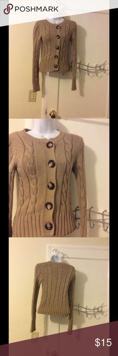"""Résultat de recherche d'images pour """"dresses giant buttons"""""""