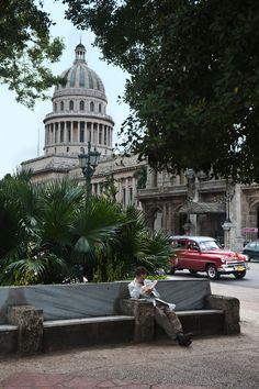 Parque Central, La Habana, Cuba//Steve McCurry