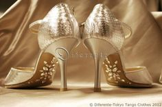 This GEM SOLE has been ordered with the tango skirt. I was designed coordinate with a rhinestone of the same aurora color of Swarovski. She is a tanguera to travel the world. She is enjoying tango dance very much. This shoes: Odier(Korea) Up Shoes, Dress Shoes, Ballroom Shoes, Latin Dance Shoes, Tango Shoes, Tango Dance, Pretty Patterns, Dance Dresses, Dance Wear