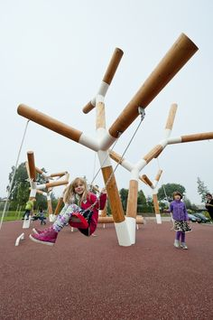 kinder outdoor spielplatz schaukel holzmaterial #design #kids #garden