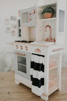 DIY FARMHOUSE MODERN PLAY KITCHEN DO IT YOURSELF PRETEND KITCHEN #kitchenbeforeafter