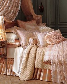 Need this cosy bedroom for a cold winter