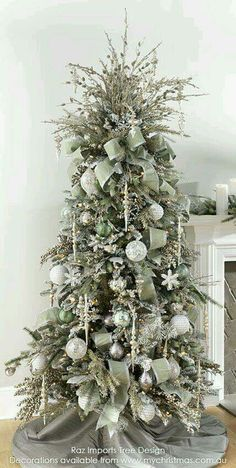 Interesting Silver And White Christmas Tree Decorations Ideas. If you are looking for Silver And White Christmas Tree Decorations Ideas, You come to the right place. White Christmas Tree Decorations, Christmas Tree Images, Elegant Christmas Trees, Christmas Tree Inspiration, Silver Christmas Tree, Christmas Tree Design, Noel Christmas, Christmas Tree Toppers, Xmas Trees